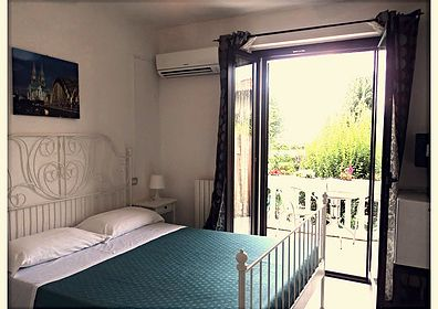 Olympic Kosher Holidays Beachside Hotel and Kosher Restaurant in Sirmione, Italy