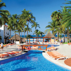 marival-resort-in-vallarta-pool